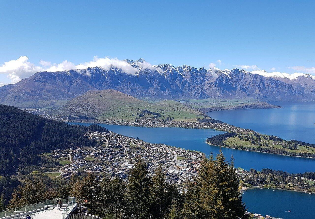 Looking for a home builder in Queenstown? We've got you covered!